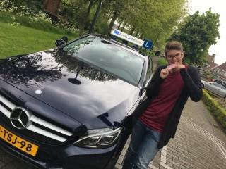 Ruim 38 lesuren voor het behalen van rijbewijs B
